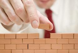 Brick Wall Innovative Brick Inside - Murovaný vs montovaný rodinný dom